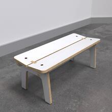 Op deze afbeelding ziet u de Buxus Bench white uit de kindermeubel collectie Buxus