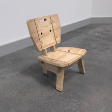 Op deze afbeelding ziet u de Buxus Lounge chair wood uit de kindermeubel collectie Buxus